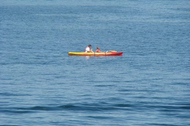 kayak-472202_640