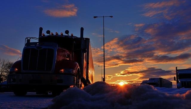 trucker-2946821_640