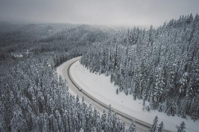 snow-2593155_640