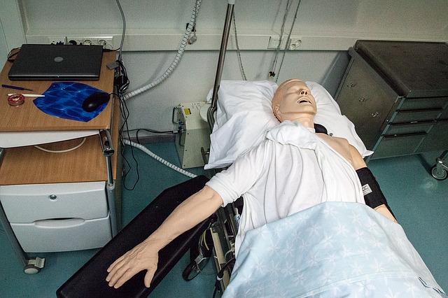 paramedics-doll-1142284_640